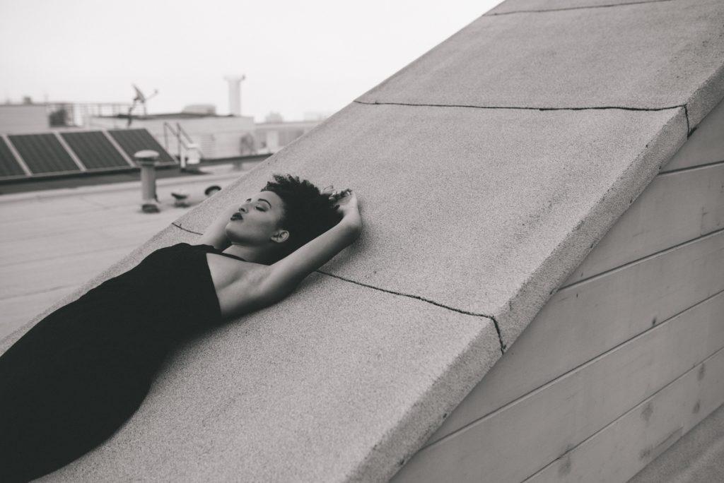 Focus sur : Caroline Alexander – 35mm et 50mm F1.4, le combo idéal pour le portrait ?